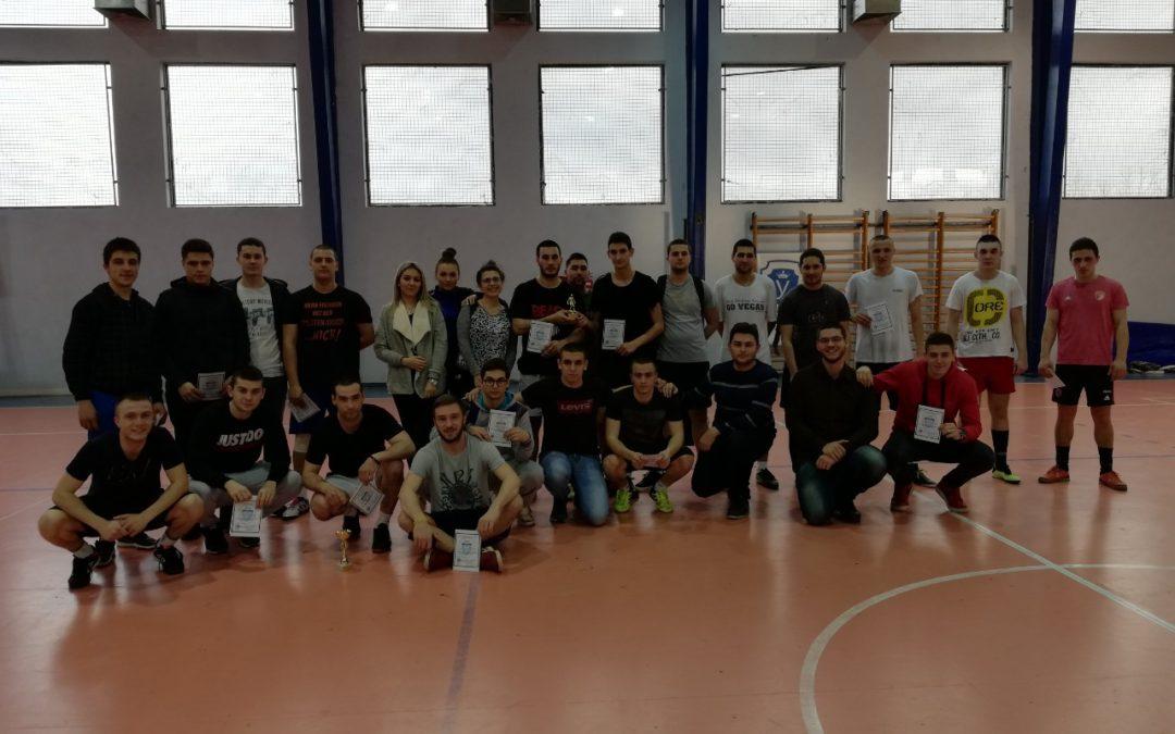 Studenti Pravnog fakulteta iz Kragujevca prikupili 13.800,00 RSD za bolesnu decu